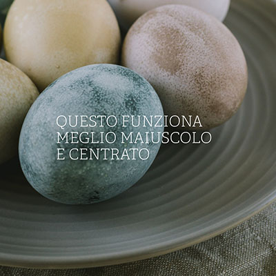 immagine con testo centrato con sfondo di rocce su un piatto