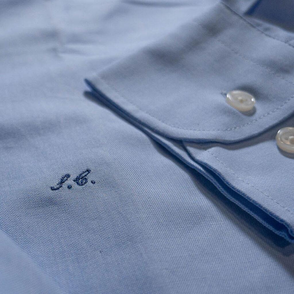 ricamo iniziali camicia